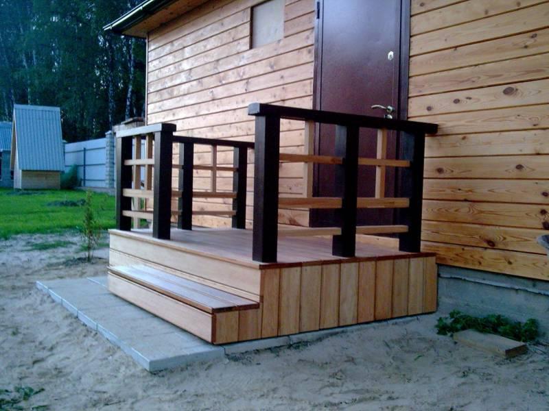 Крыльцо для дома фото деревянные 105